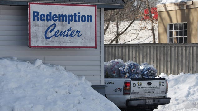 Maine's New Law Will Finally Make Companies Pay for Recycling