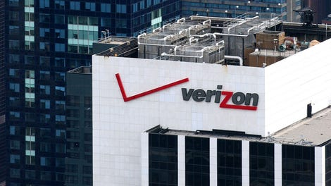 Verizon Cuts Online Upgrade and Activation Fees, Raises Its