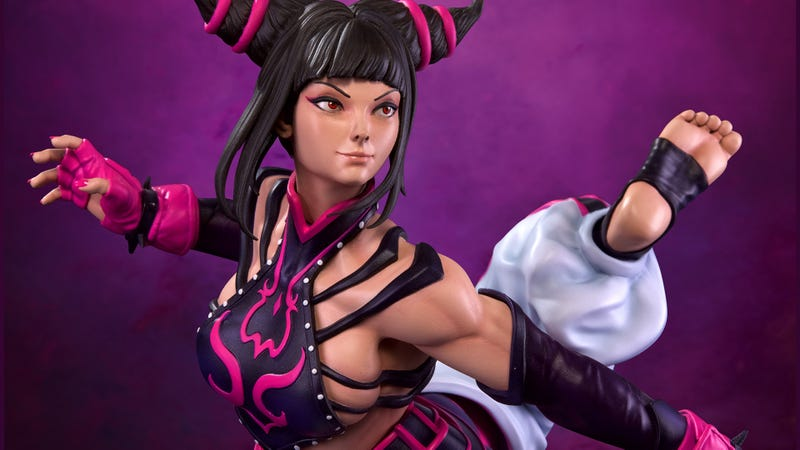 Illustration for article titled Street Fighter Juri Statue Looks Very Uncomfortable