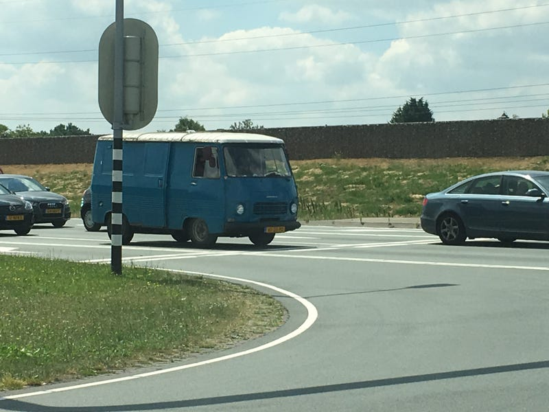 Illustration for article titled DOTS: Peugeot van