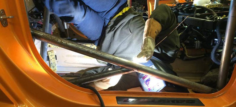 Illustration for article titled This Is How You Weld A Cage In A Lamborghini Rally Car