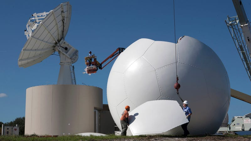 Illustration for article titled Why Is NASA Building This Giant Soccer Ball?