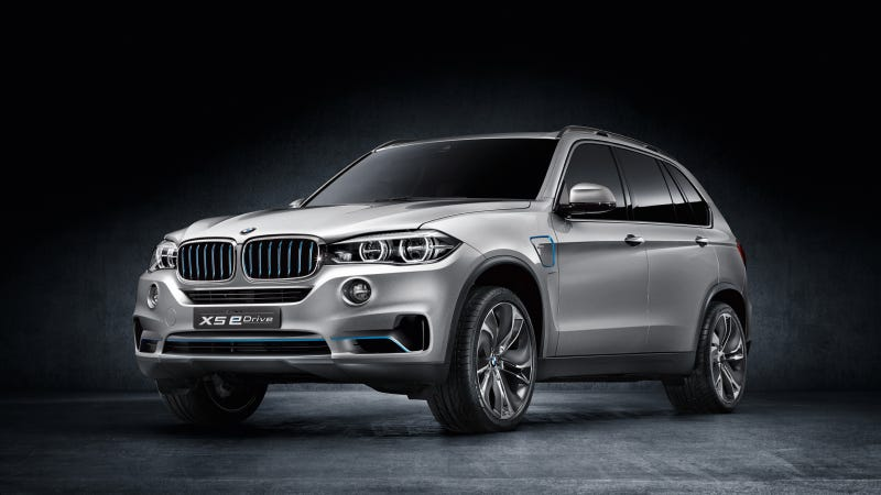 Illustration for article titled BMW eDrive meets BMW xDrive – an innovative combination designed to deliver efficient driving pleasure: The BMW Concept5 X5 eDrive.