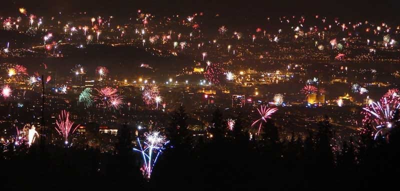 Illustration for article titled Oslo Celebrated New Year's Eve with More Fireworks Than You