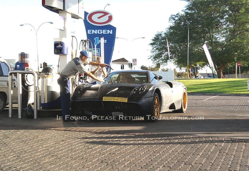 Illustration for article titled Pagani C9: Spy Photos