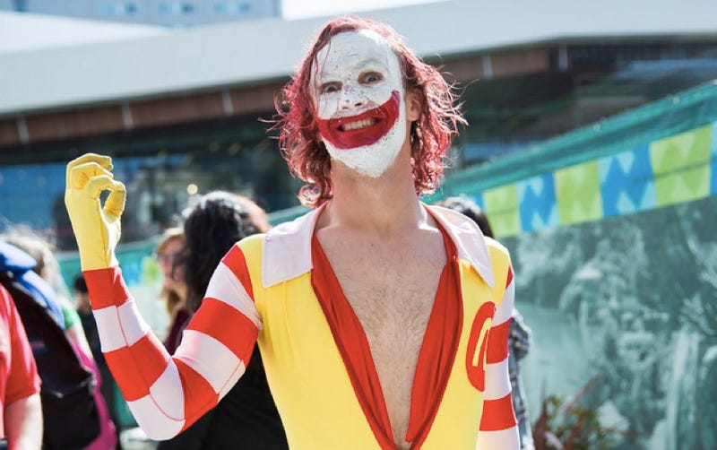 Illustration for article titled DO NOT WANT: Cosplay mashup of the Joker and Ronald McDonald