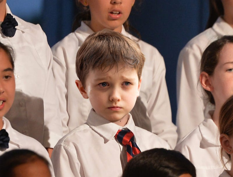 Illustration for article titled Visibly Flu-Stricken Choir Kid Really Dragging Down Whole Christmas Pageant