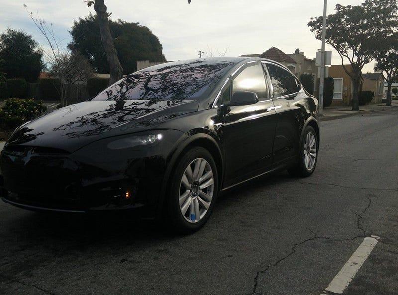 Illustration for article titled Tesla Model X Spy shot