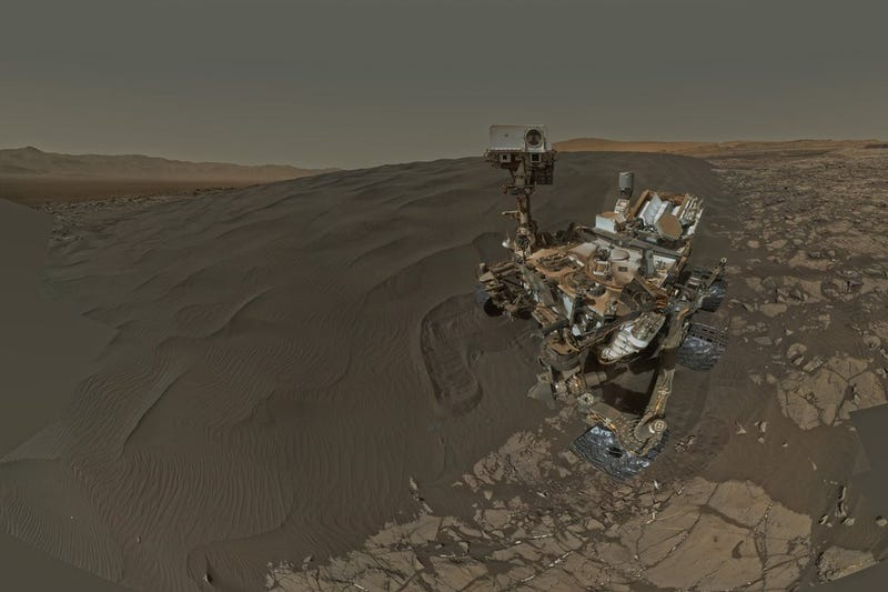 Illustration for article titled Curiosity Is Using Sweet New Tools to Explore Martian Sand Dunes