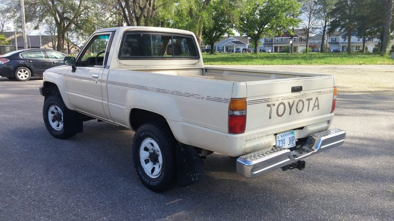 Here's Exactly What It Cost To Buy And Repair An Old Toyota Pickup Truck