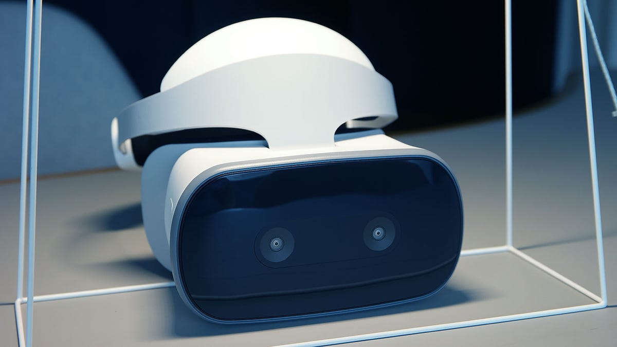 0eabd59de43 Lenovo Made a Souped Up Oculus Go That s Missing Just One Key Feature