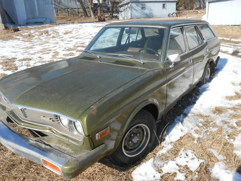 Illustration for article titled For $950, Could This 1974 Mazda RX4 Wagon Be The Barn Find Of The Century?