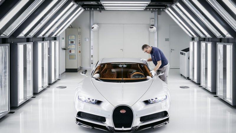 Illustration for article titled Así se fabrica el Bugatti Chiron, el nuevo coche más potente del mundo