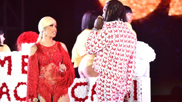 Cardi B forced to boot clingy ex off of her headlining festival stage