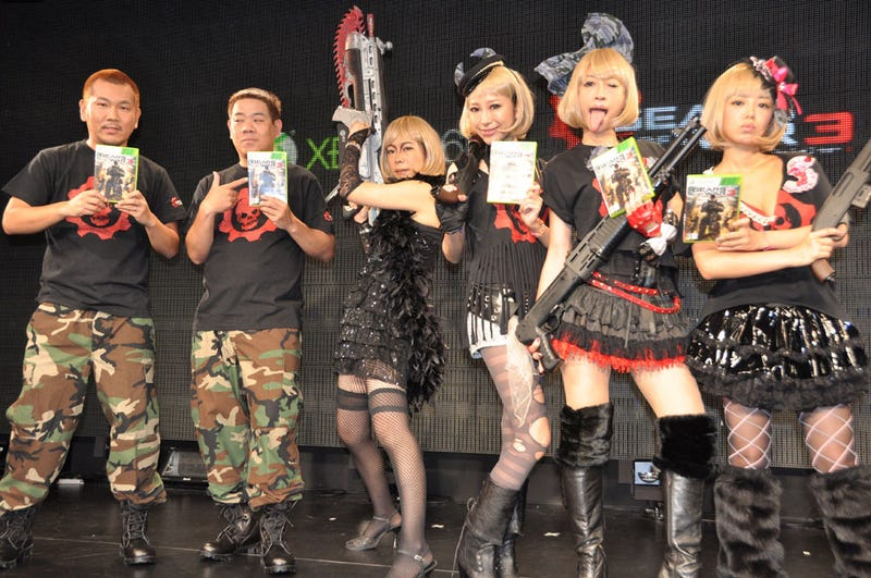Illustration for article titled Japan Launched Gears of War 3 with Idols You Can... *Ahem*