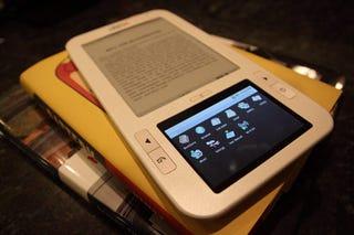 Illustration for article titled Spring Design's Alex Ebook Wi-Fi Reader Ships April 14; 3G Version In the Works