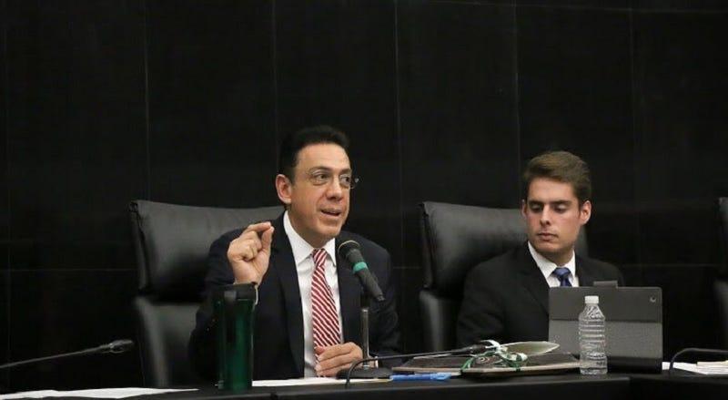 Illustration for article titled Adiós a la Ley Fayad en México: el senador retiró la polémica iniciativa