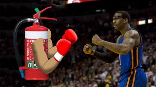 Illustration for article titled Amar'e Stoudemire Injures Hand In Alleged Fight With Locker Room Fire Extinguisher [UPDATE]