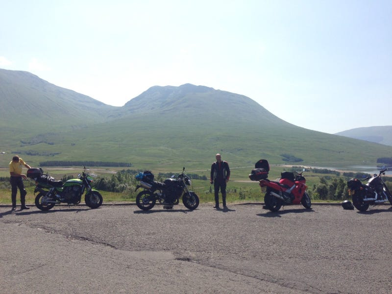 Illustration for article titled Scotland by motorcycle - sun, lochs, haggis and the best roads in the UK
