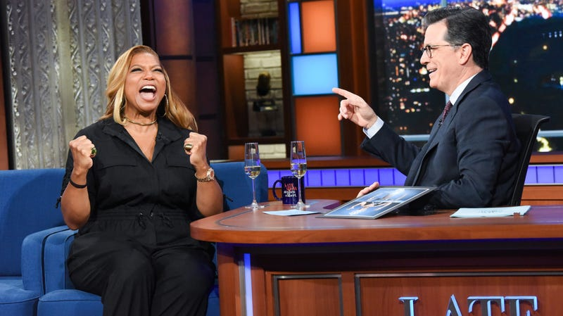 Illustration for article titled Queen Latifah gets the royal treatment while busting out some Ursula on The Late Show