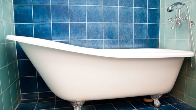 How to Clean Your Bathtub and Tile