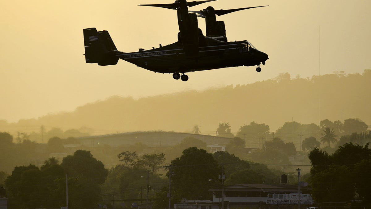 30 Fascinating Photos Of HMX-1\'s Ospreys Working For The White House