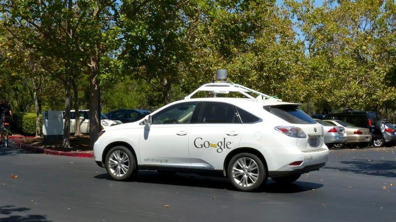 Illustration for article titled Los coches de Google ya conducen mejor que tú