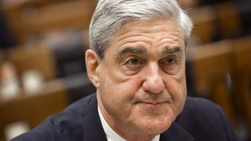 Illustration for article titled Exhausted Robert Mueller Turns Off Phone To Give Himself Breather From Russia Probe News Over Holiday Break