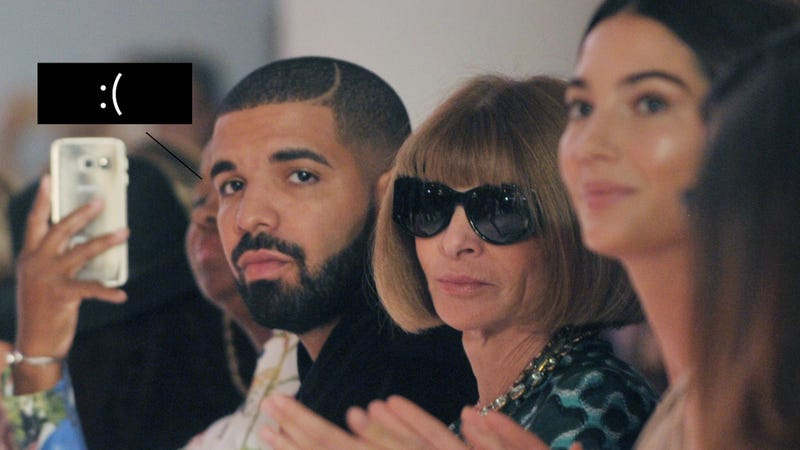 Illustration for article titled Drake Got So Upset When the DJ Played the Wrong Drake Song at Serena's Fashion Show