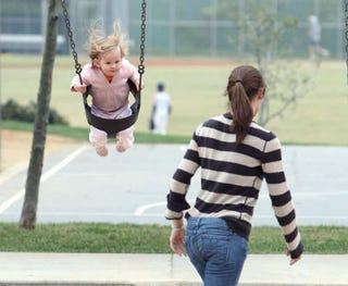 Illustration for article titled Jennifer Garner's Daughter Violet Catches Some Air