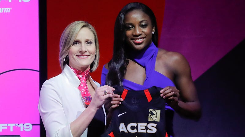 Illustration for article titled Las Vegas Aces Choose Jackie Young Over Asia Durr In WNBA Draft