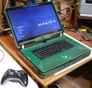 Illustration for article titled Xbox 360 Elite Laptop