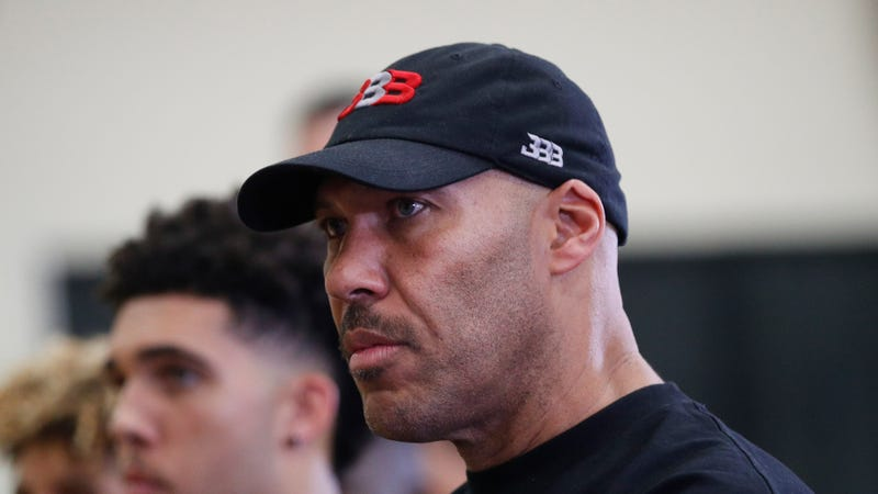 LaVar Ball has female referee removed from game after technical foul
