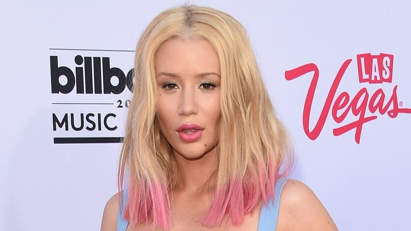 Illustration for article titled Iggy Azalea to Teen Girls: 'Plastic Surgery Is an Emotional Journey'