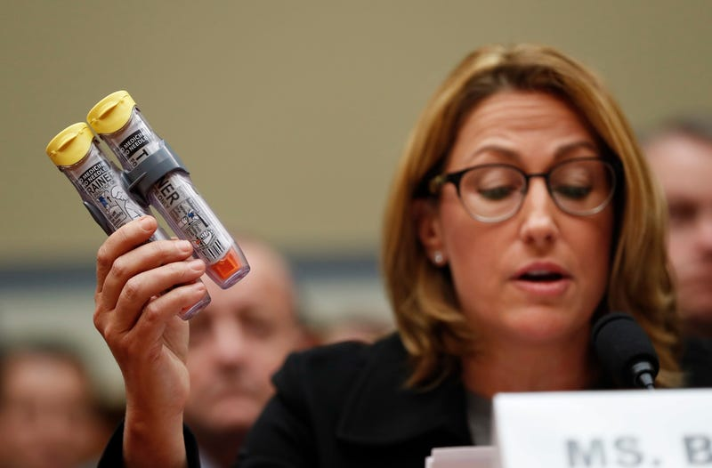 Defective EpiPens Cited in Deaths of at Least 7 Americans So Far in 2017