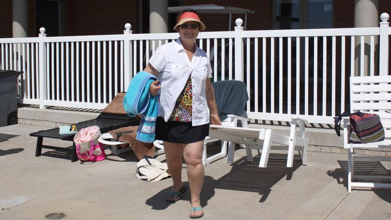 Mom Triumphantly Drags Hotel Pool Lounge Chair Back To Family Like Fresh Kill