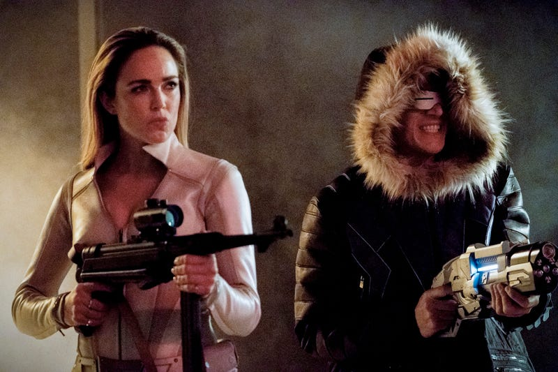 Caity Lotz, Wentworth Miller (Photo: Bettina Strauss/The CW)