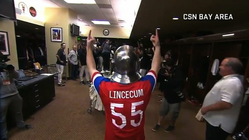 Illustration for article titled Tim Lincecum Throws No-Hitter, Dresses Up Like Patriotic Knight
