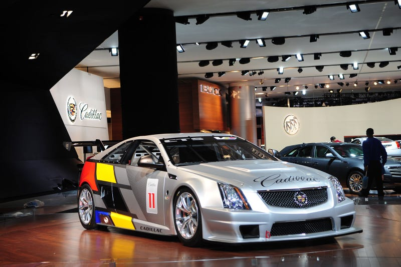 Illustration for article titled Cadillac CTS-V Race Car: First Luscious Live Photos