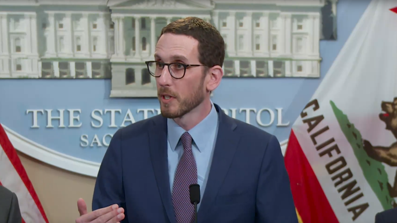 California State Senator Scott Wiener announcing strong net neutrality provisions returned to his bill, S.B. 822.