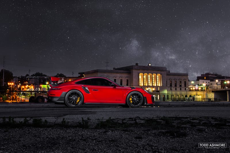 Illustration for article titled 2018 911 GT2 RS - Light Painting