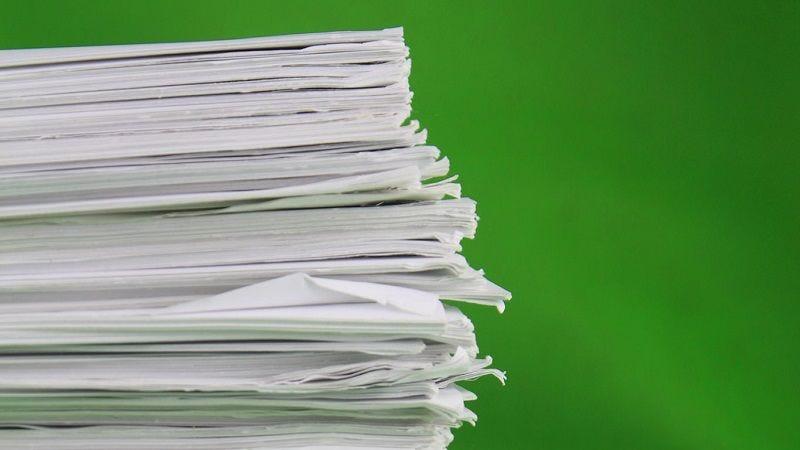 Razones por las que cortarte con una hoja de papel duele