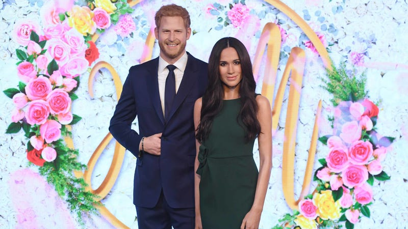 Illustration for article titled Harry and Meghan 2gether 4ever (as Wax Dummies at Madame Tussauds)