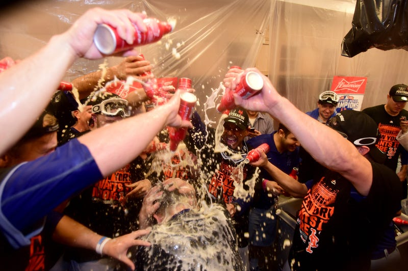 Illustration for article titled The Mets Celebrated With A Beer Slip 'N Slide