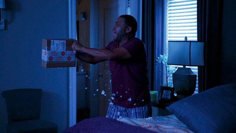 Illustration for article titled Black-ish maintains its triumphant return by holding it at gunpoint