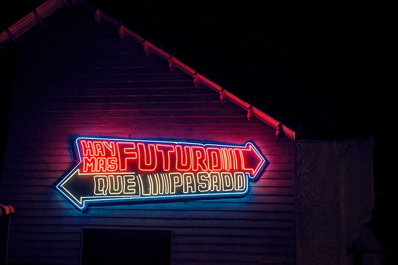 Illustration for article titled 19 Dazzling Photos Of Neon Signs