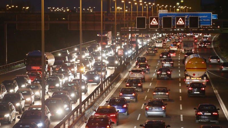 Illustration for article titled En Alemania hace tanto calor que el gobierno ha puesto límites de velocidad en las autopistas