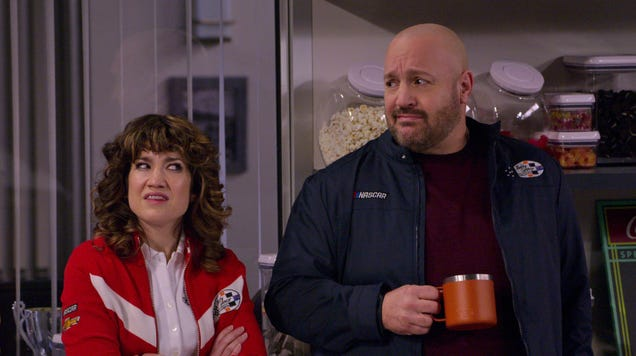 Kevin James idles in the trailer for Netflix's NASCAR-produced The Crew