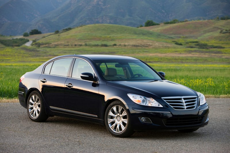 Illustration for article titled Consumer Reports: Hyundai Genesis New Top-Rated Upscale Sedan, Bests Lexus ES 350