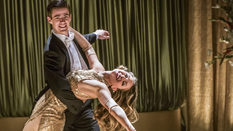 The First Pictures From the Flash/Supergirl Musical Crossover Are Here, Please Hold Us